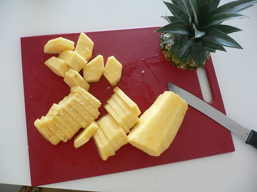 how to cut a pineapple easy