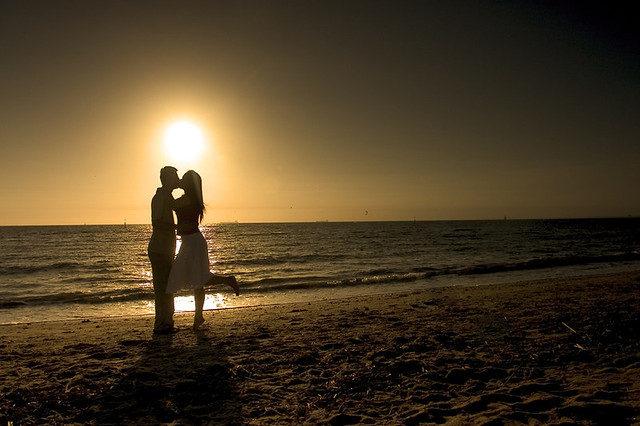 Beach Kissing Images Kissing in Myrtle Beach