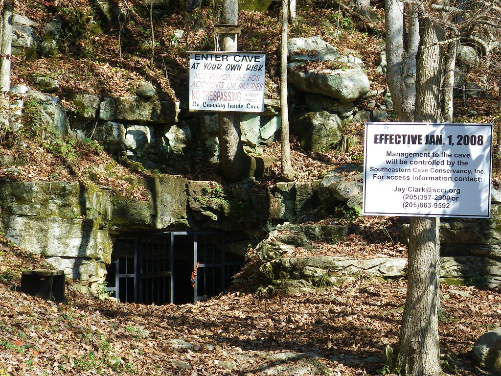 Tumbling Rock Cave Alabama Entrance To Tumbling Rock