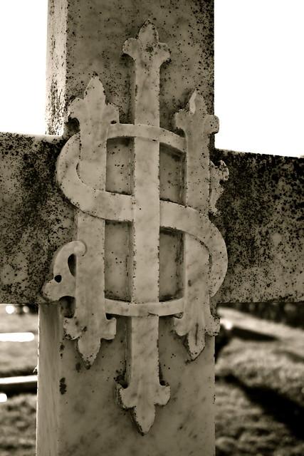 Constantine in Hoc Signo Vince's Cross