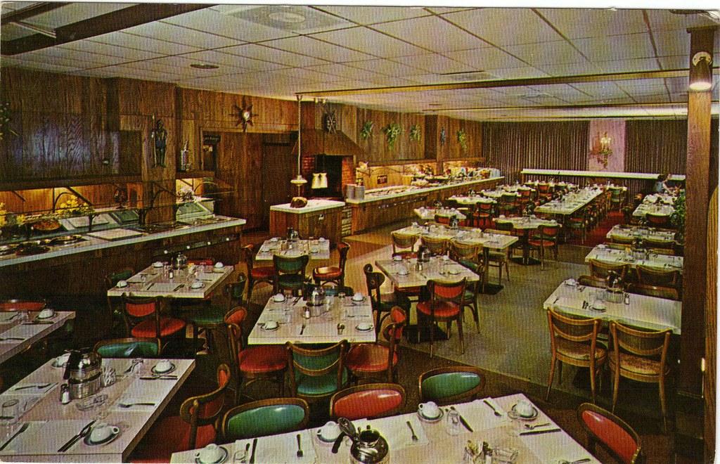 The king 39 s table smorgasbord restaurant warren ohio c for Table 6 ohio