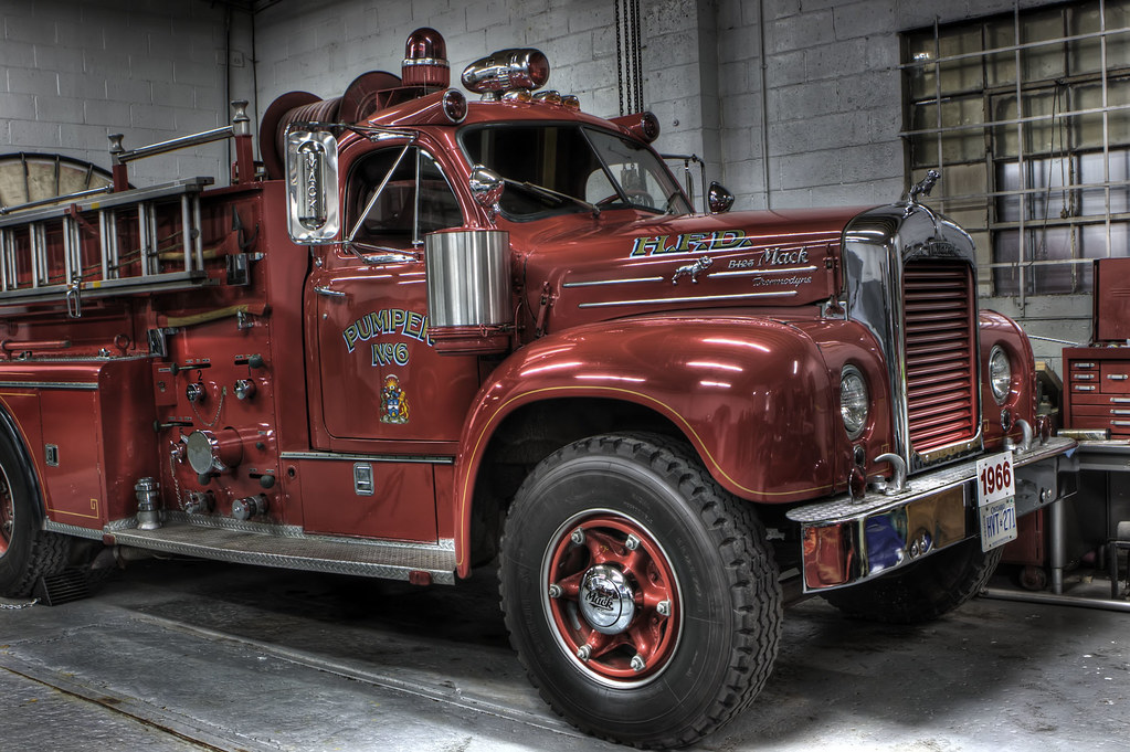 Old Mack Fire Trucks : Old mack trucks fire engines for sale autos post