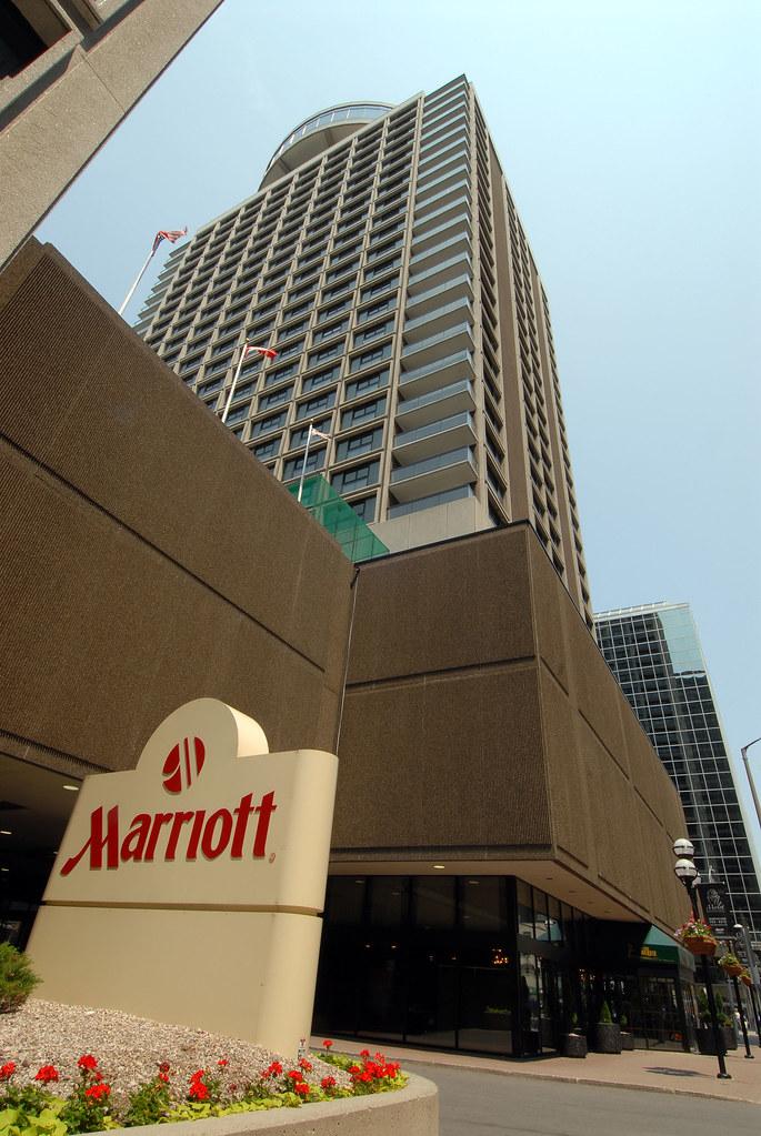 hotel downtown ottawa marriott ottawa escape to. Black Bedroom Furniture Sets. Home Design Ideas