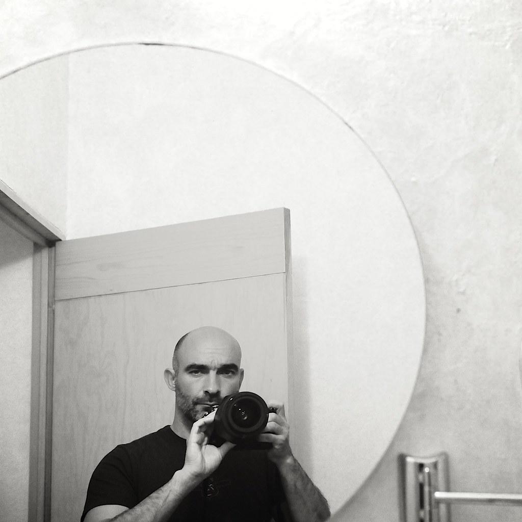 Autoportrait au miroir rond puebla mexique nov 2009 for Autoportrait miroir