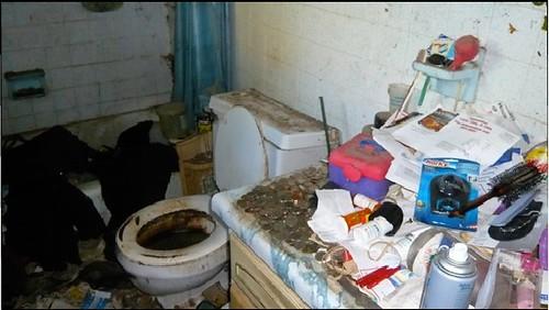 Hoarders Bathroom Hoarders A Amp E Tv Ambriss Rembulat