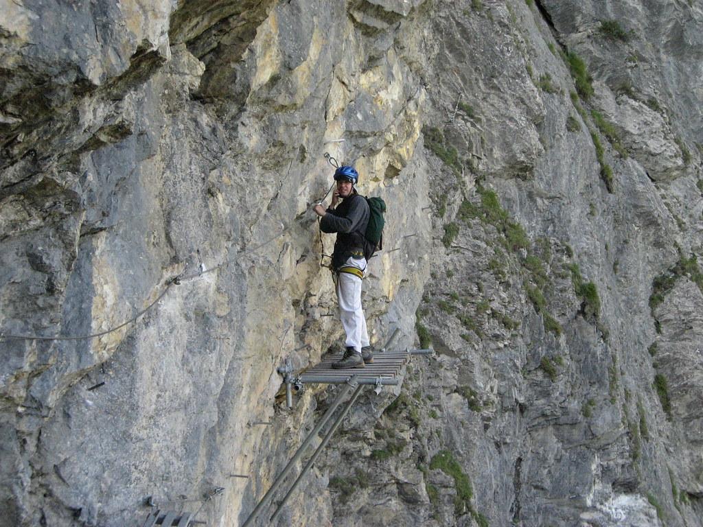Klettersteig Bern : Ich auf der seilbrücke des klettersteig kandersteg allmenau flickr