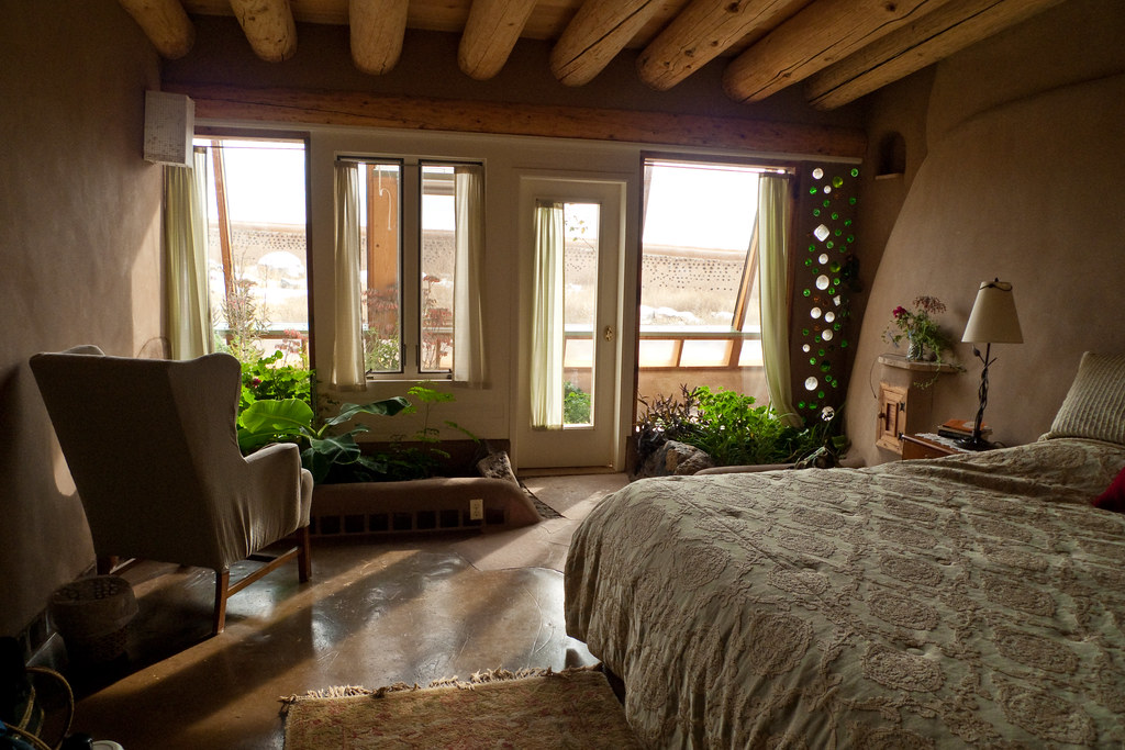 Earthship Bedroom The Walls Are Pretty Close To