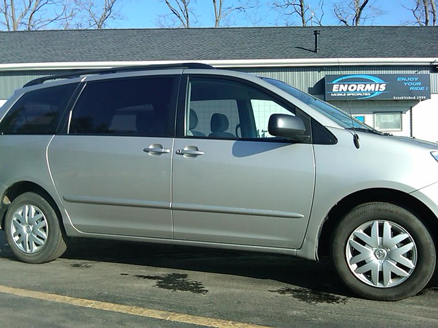 Front Sienna Van Gets 20 Tint On Rear Windows Just Like The Factory
