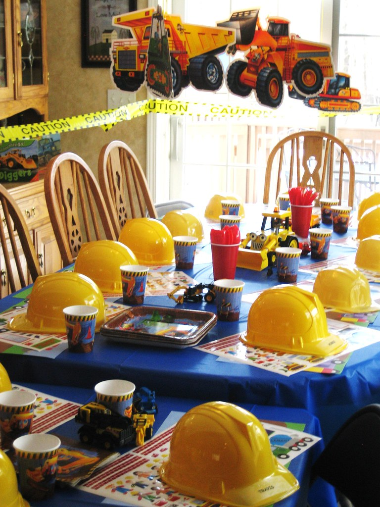 Construction birthday party construction party ideas for R b party decorations