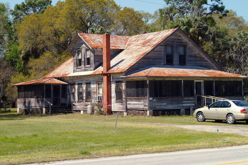2000 views old house in inglis florida inglis for Classic house 2000s