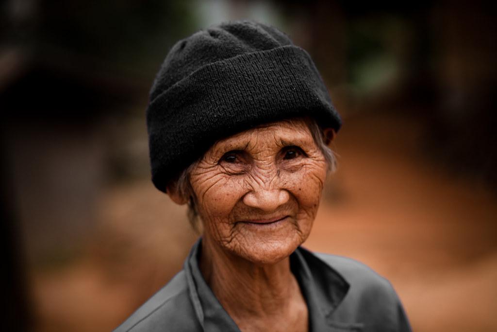 Old Thai woman, near Chiang Rai | I met this old woman