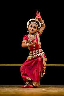 Shrinika_performing_Abhinaya_(Kede_Chhanda_Janilu_Tuhi)