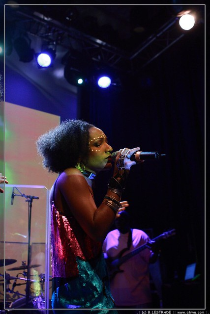 Les nubians divan du monde paris les for Divan singer