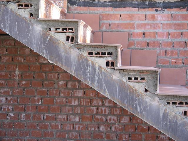 Seccion constructiva escalera escalera formada por - Escaleras de ladrillo ...