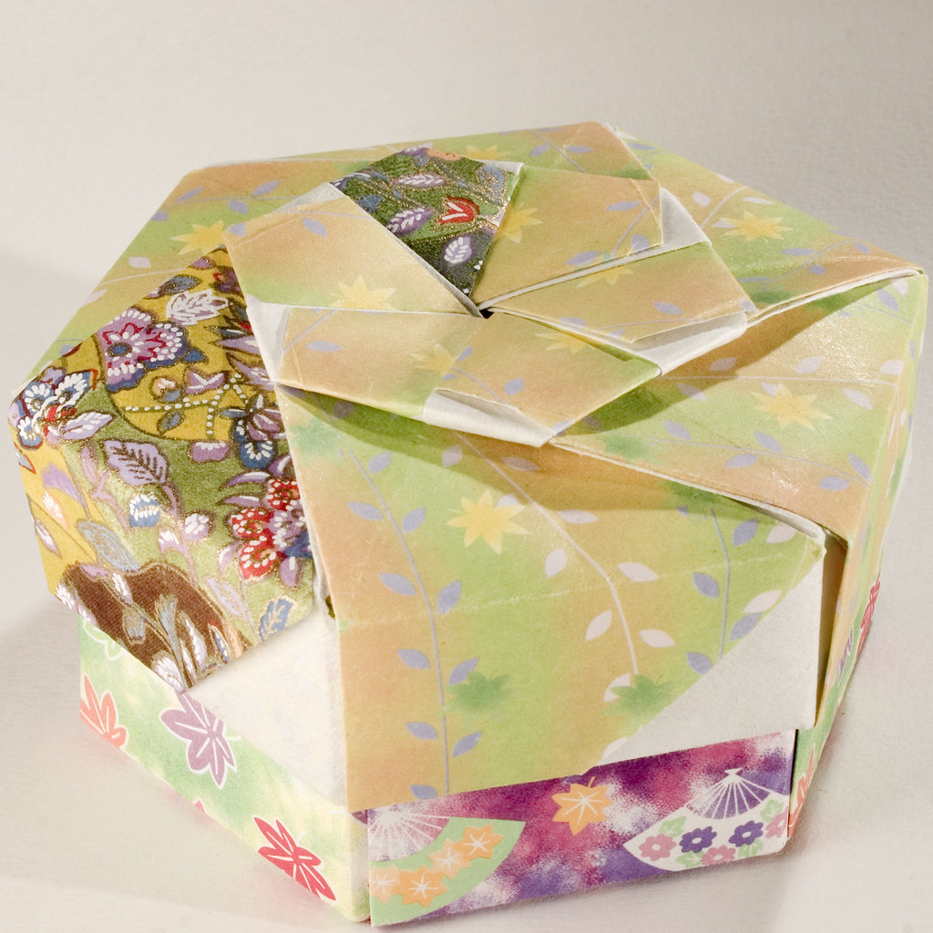 Small Decorative Gift Boxes With Lids: Decorative Hexagonal Origami Gift Box With Lid: # 06