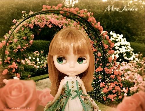 Thank you rose mon jardin le jardin de maman outfit for Blythe le jardin de maman