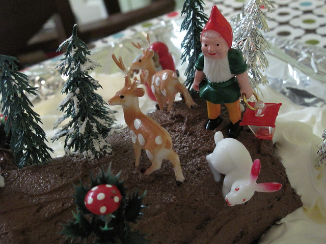 Buche de noel decorations flickr photo sharing - Buche de noel decorations ...