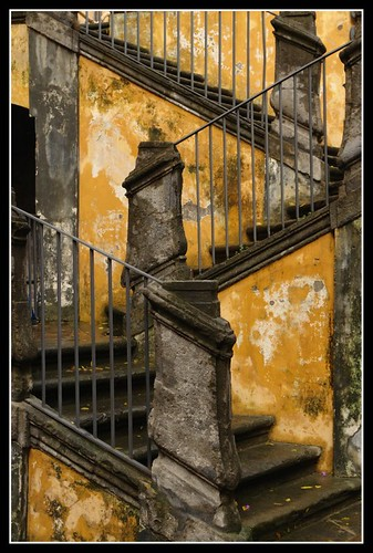 Spaccanapoli Steps | by earthmagnified