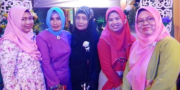 Lurah Sei Lakam, Dirgahayu Noor dan para undangan saat menghadiri acara pembukaan MTQ Kecamatan Tebing