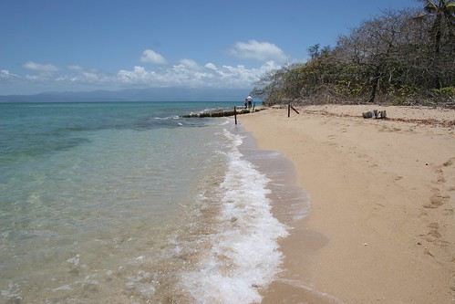 Great Barrier Reef - A walk on the beach | by Heaven`s Gate (John)