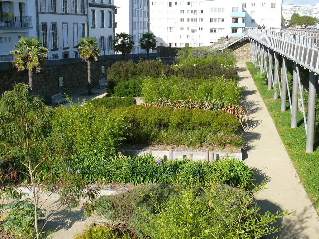 Brest jardin des explorateurs brest jardin des for Jardin kennedy brest