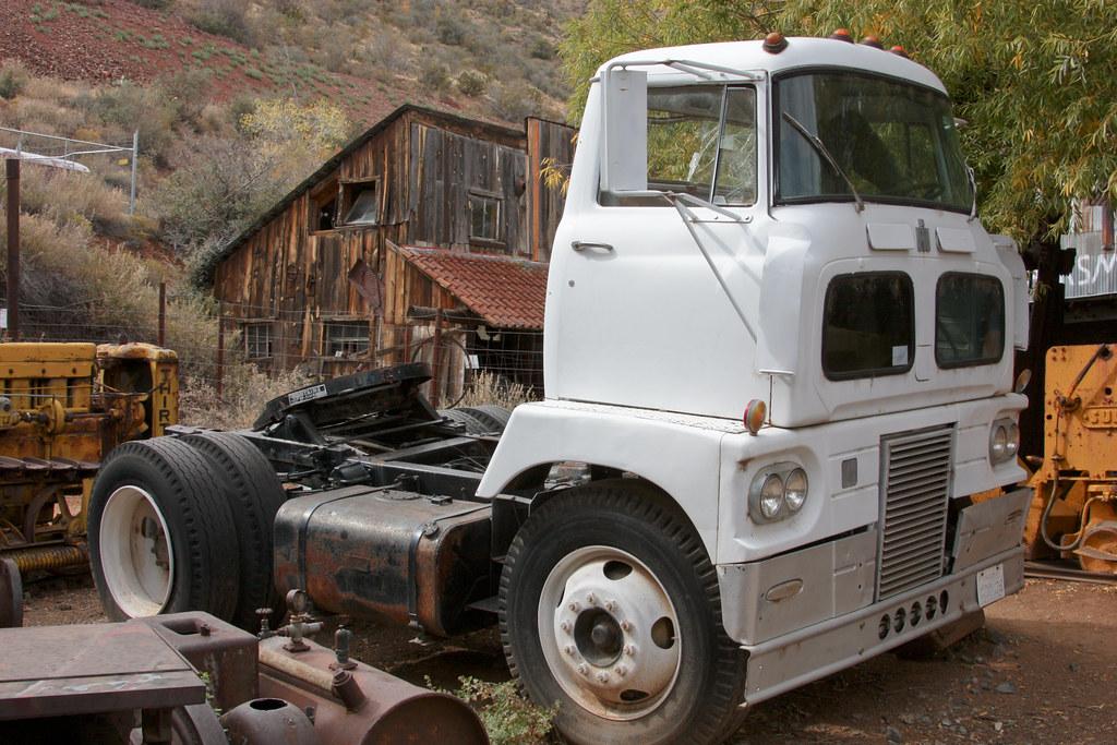 2611 1 antique international cabover truck gold king mine flickr. Black Bedroom Furniture Sets. Home Design Ideas