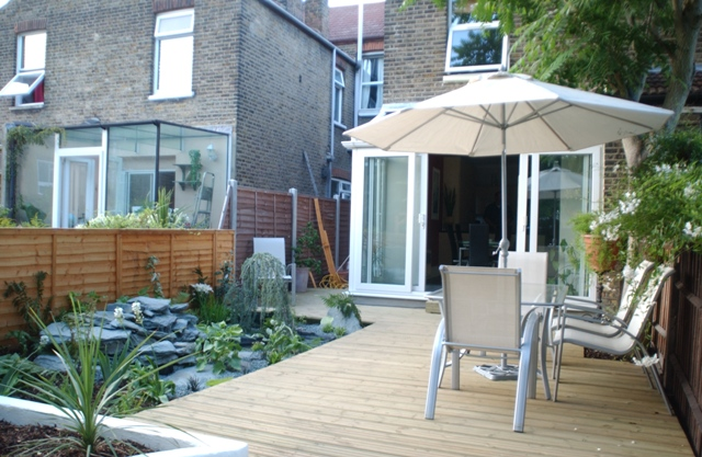 the terrace house garden by earth designs wwwearthdesignscouk - Garden Design Terraced House