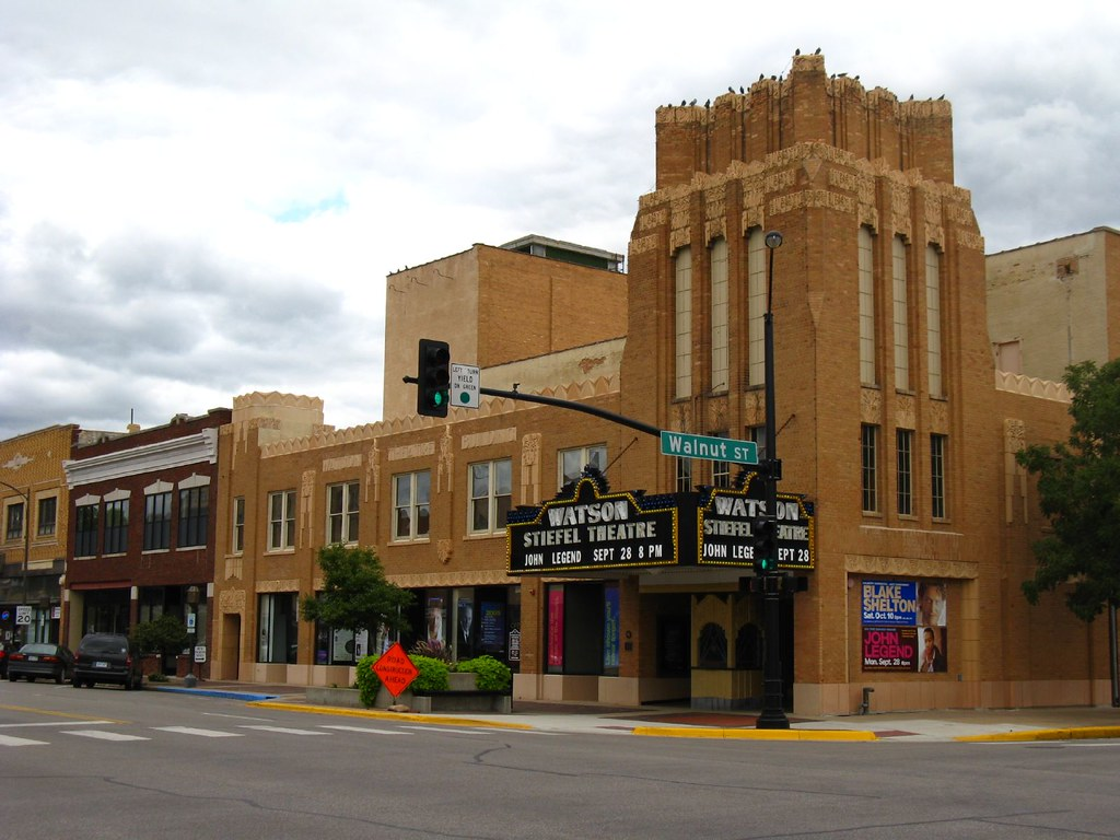 Salina Kansas Opened In 1931 As The Fox Watson Theatre