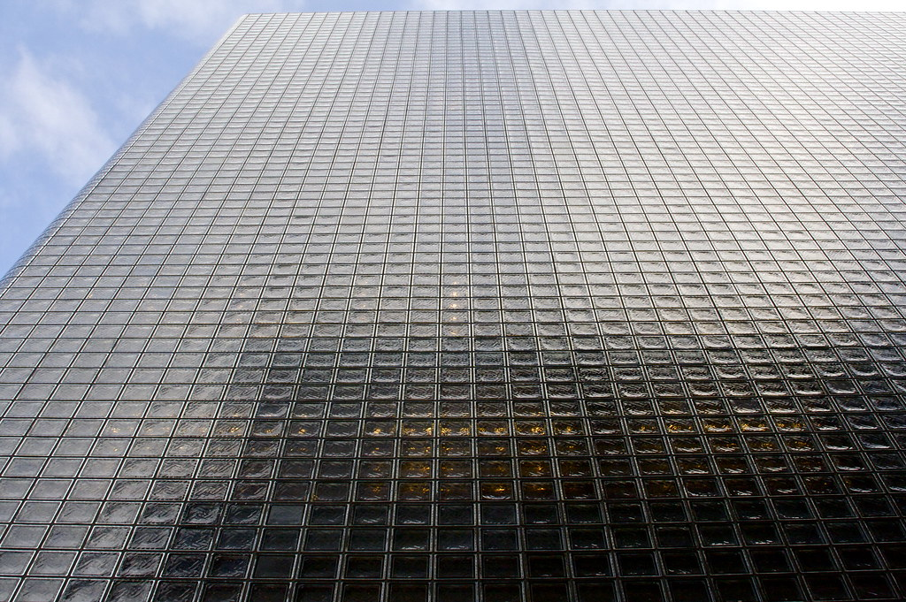 Glass Building Blocks : Glass block building facade architect renzo