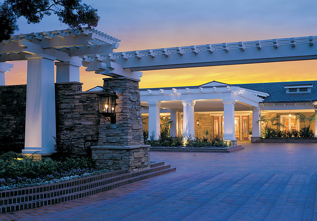 Southern California Luxury Resorts: Entrance To Southern California Luxury