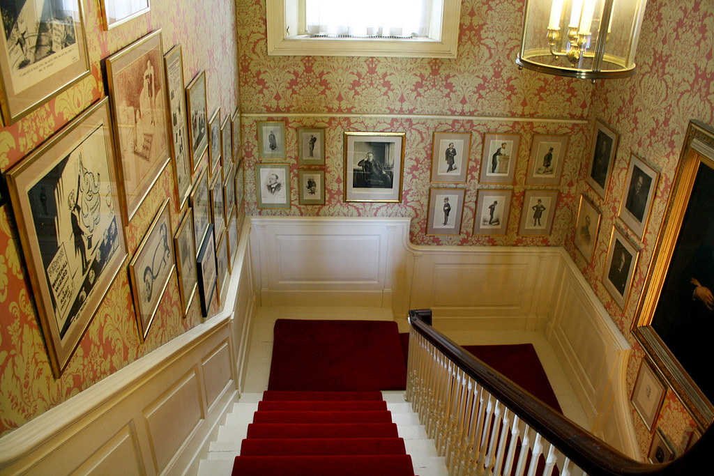 No. 11 Downing Street | Photograph of the staircase of