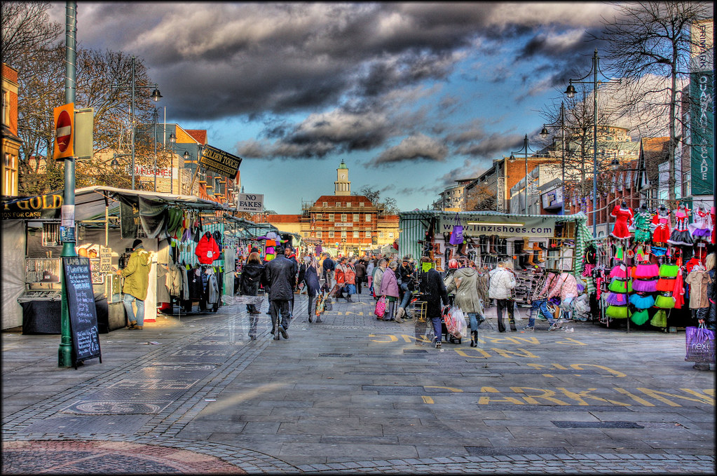 Romford Market - Handheld HDR | Taken hand held so not ...