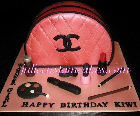 Make Up Bag Cake