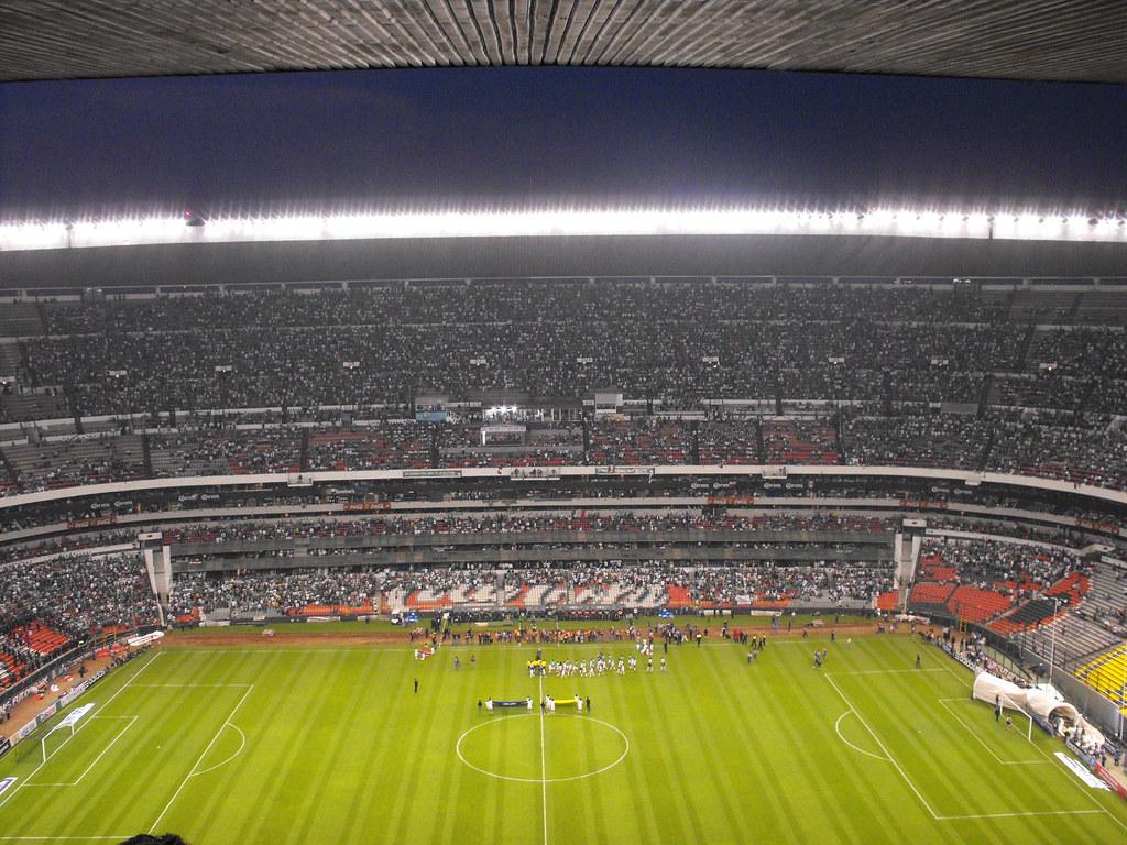 Estadio azteca fotos del estadio azteca en un partido de for Puerta 1 estadio azteca