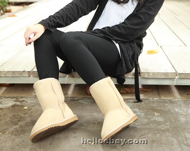 ... UGG 5825 Classic Short Sand-7_LRG | by UGG Boots from helloebay