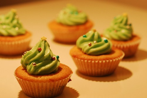 3372 christmas cupcakes | by imcountingufoz