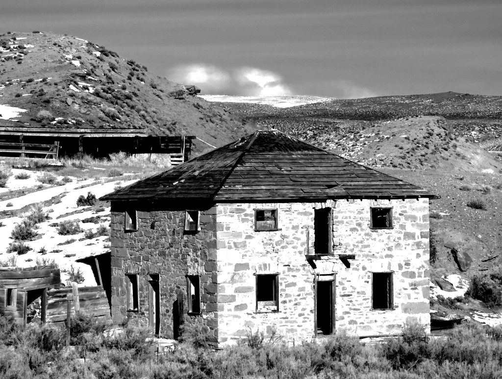 Abandoned Stone Building Near Carter Wyoming | This is a ...