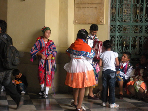 Pictures Of Peru'S Clothing 50