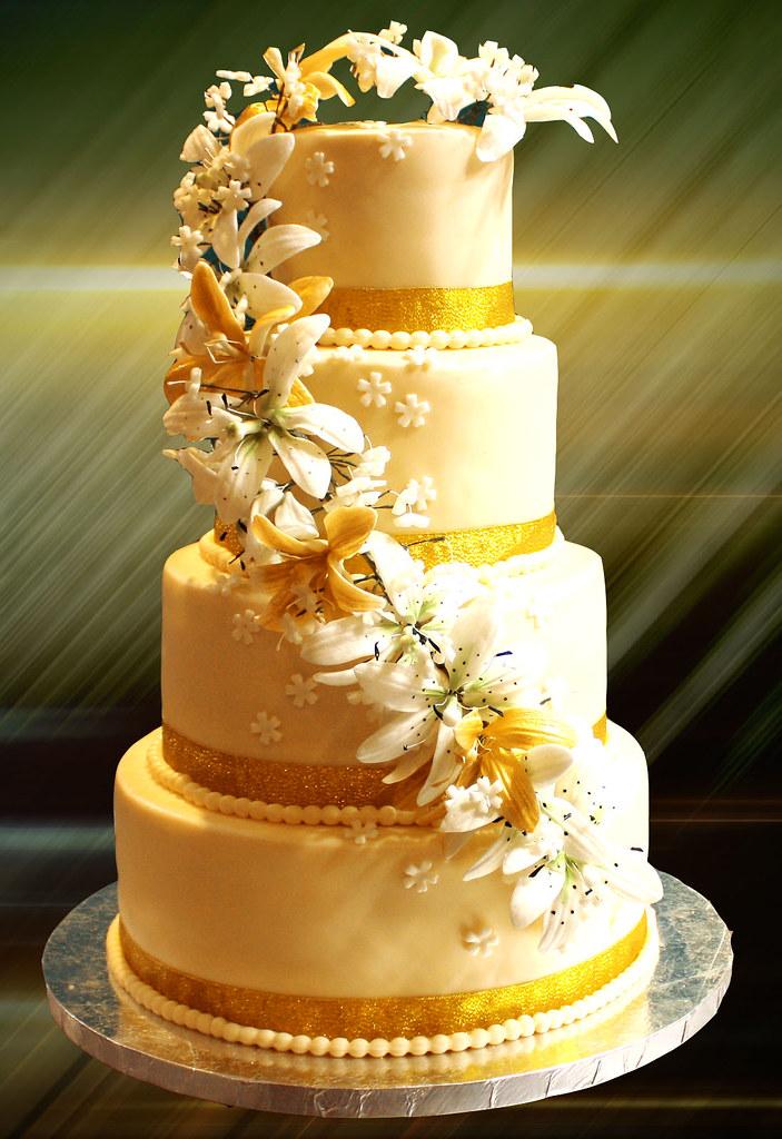 wedding cake in gold | Svetlana Nikolova | Flickr