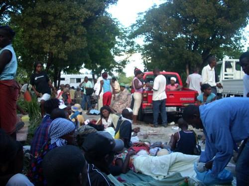 Prospery raymond 7 canape vert hospital fotos tras el for Medlab canape vert haiti