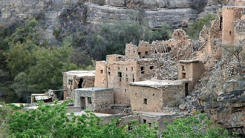 Ruined Omani village | by tomsbiketrip.com