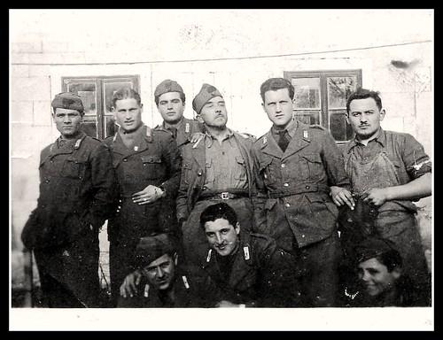 Fotografia ii guerra mondiale reali carabinieri fronte for Decorati 2 guerra mondiale
