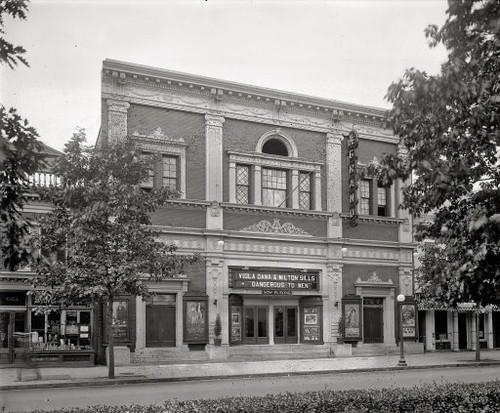 theater hid n Grand Avenue Cinemas