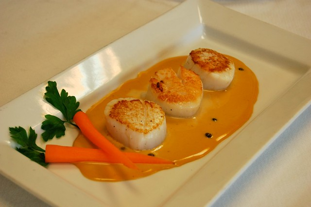 Nouvelle cuisine scallops with tangerine green peppercorn sauce flickr photo sharing for Nouvelle cuisine