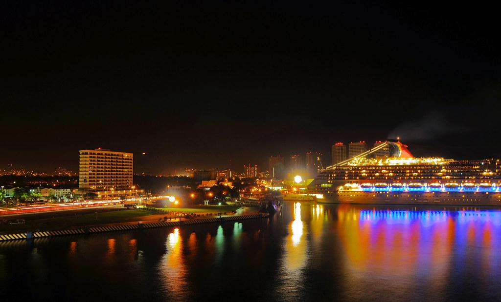 Puerto Vallarta cruise night