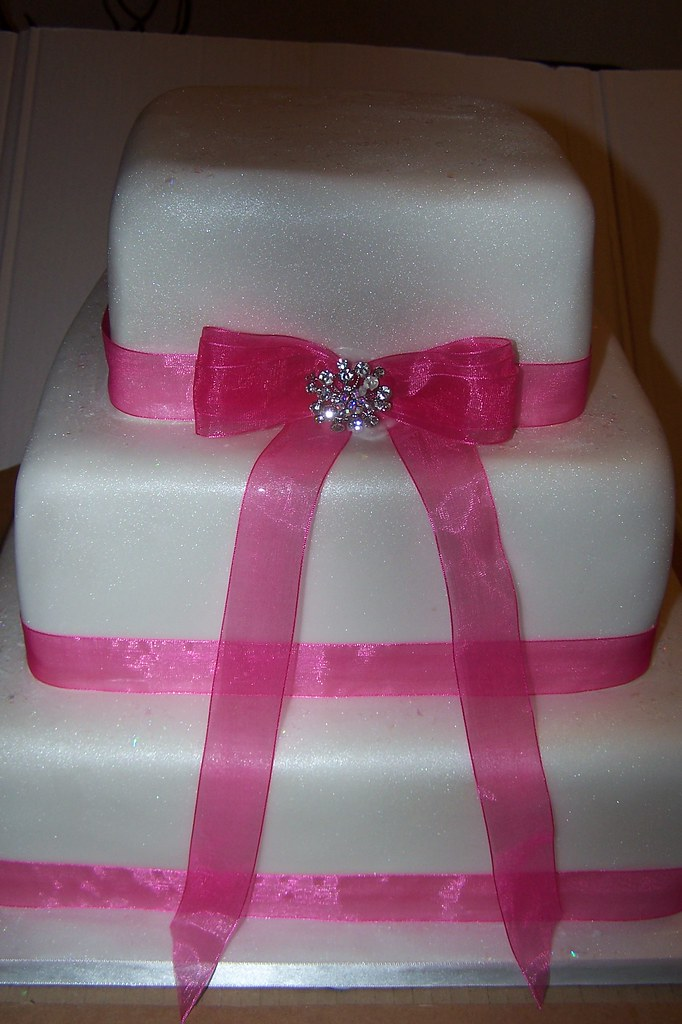 Brooch And Ribbon Wedding Cake