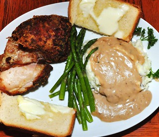 Mmm..fried chicken with mashed potatoes and gravy | by jeffreyw