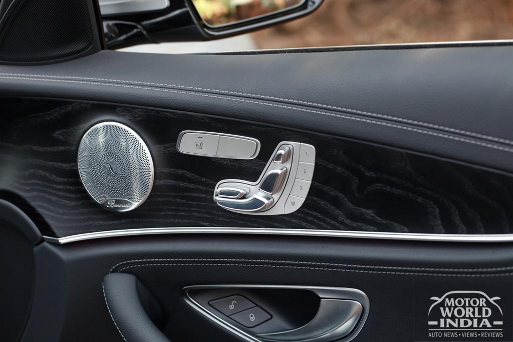 2017-Mercedes-Benz-E-Class-LWB-Interior (17)
