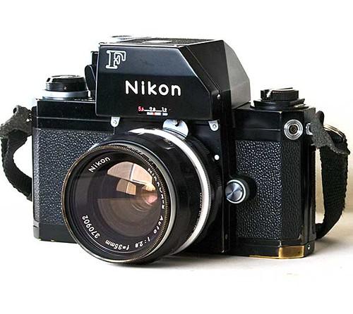File:TAG Nikon F2 Photomic Black 01.jpg - Wikimedia Commons