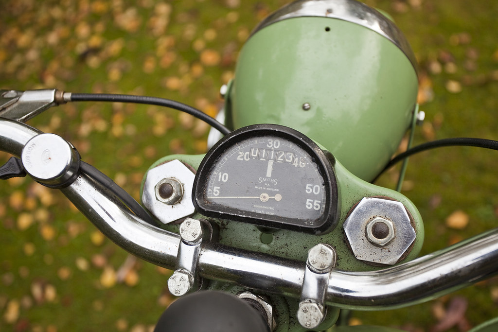 BANTAM BSA 125 | Smiths Speedometer, Notice the maximum spee